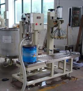 全自动涂料灌装机在生产车间的应用