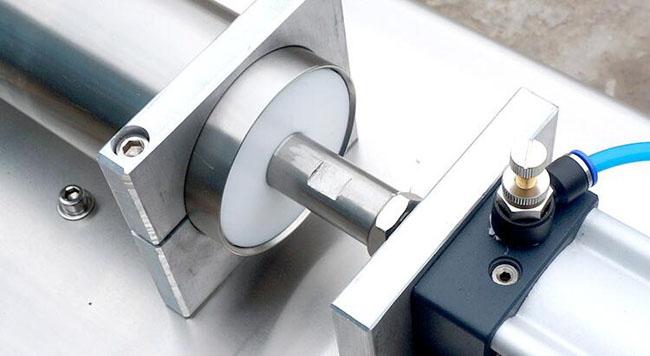 小型半自动液体定量灌装机精致电磁阀